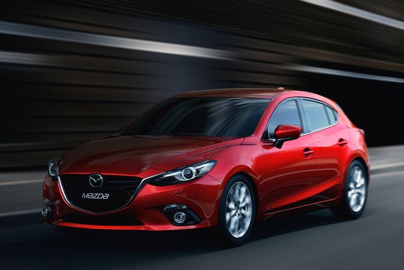 Mazda 3 SkyActiv-G 2.0 120 GT-M (2015)