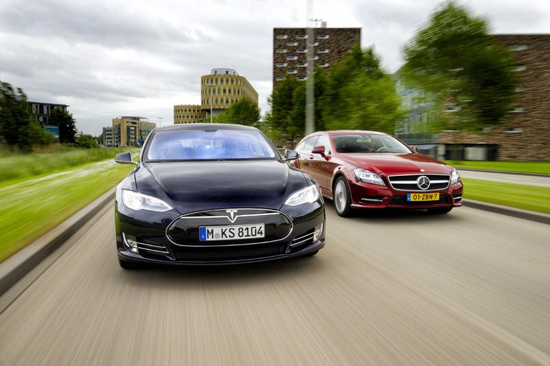 Tesla Model S - Mercedes CLS Shooting Brake