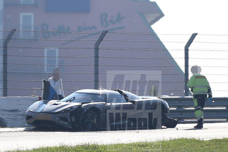 Koenigsegg testauto crasht op Nürburgring