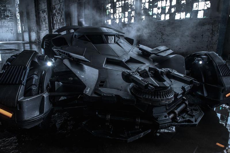 Nieuwe Batmobile tuurt de wereld in