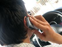 75.000 boetes voor bellen en appen achter stuur