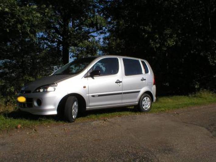 Daihatsu Young RV 1.0 12V RTi (2002)