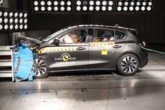 Vijf NCAP-sterren voor Ford Focus en Volvo XC40