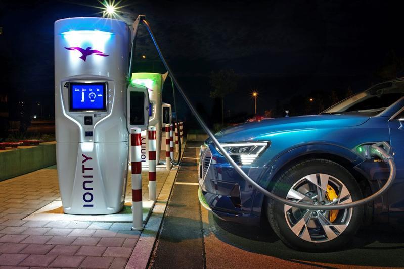Ionity laadpaal Audi E-tron Duitsland