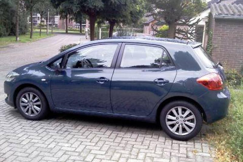 Toyota Auris 1.6 16v VVT-i Luna (2008)
