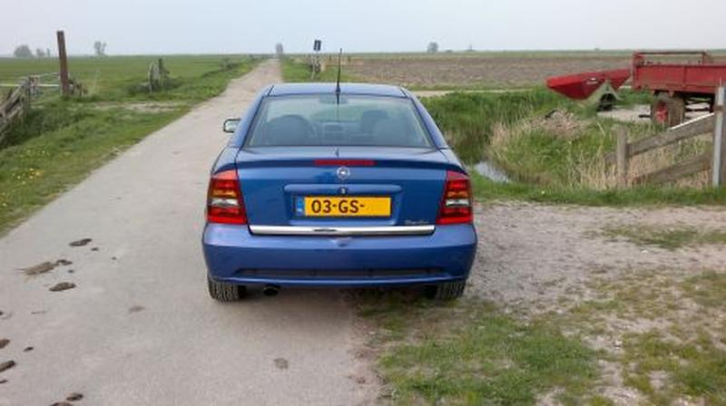 Opel Astra Coupé Turbo (2001) review - AutoWeek.nl