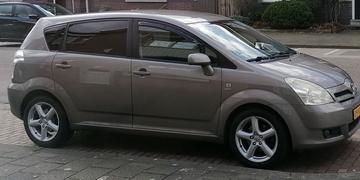 Toyota Corolla Verso 1.8 16v VVT-i Linea Luna (2005)