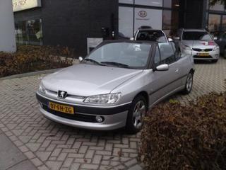 Peugeot 306 Cabriolet 1.6 (2000)