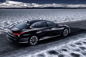 Nieuw Lexus LS als Hybrid naar Genève
