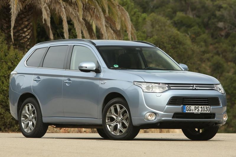 Mitsubishi Outlander PHEV Business Edition (2014)