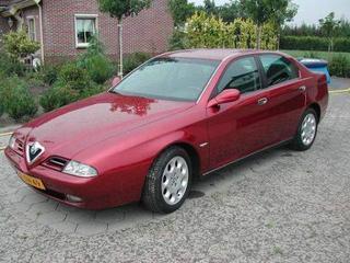 Alfa Romeo 166 2.4 JTD L (1999)
