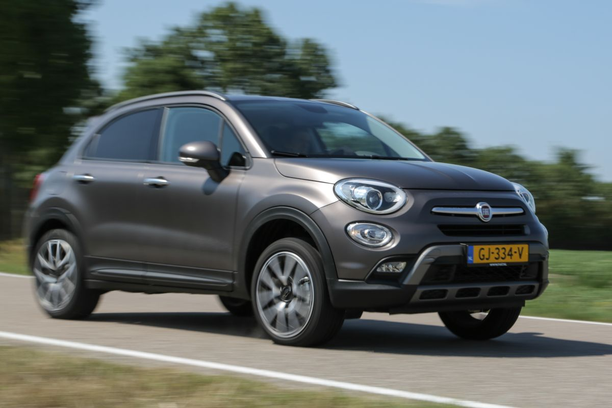 fiat 500x 1 4 turbo multi air 16v 170 4x4 cross plus 2015 autotest. Black Bedroom Furniture Sets. Home Design Ideas
