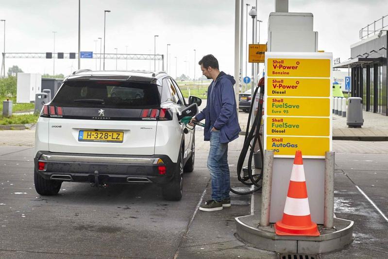 Tanken Shell benzine pompstation