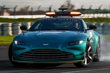 Aston Martin Vantage en DBX als Safety en Medical Car