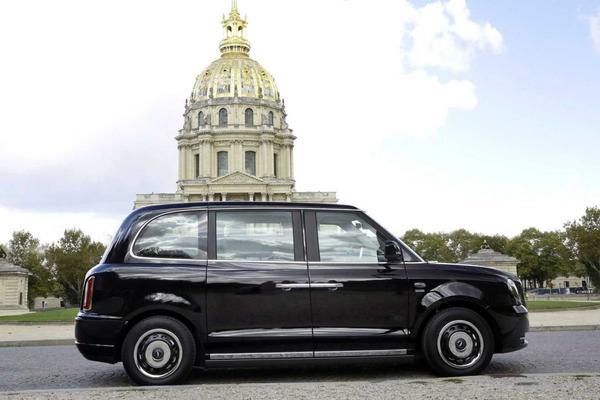 'Londense taxi' nu ook in Parijs