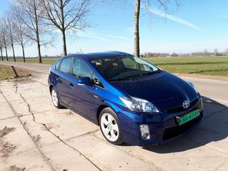 Toyota Prius 1.8 HSD Dynamic Business (2011)