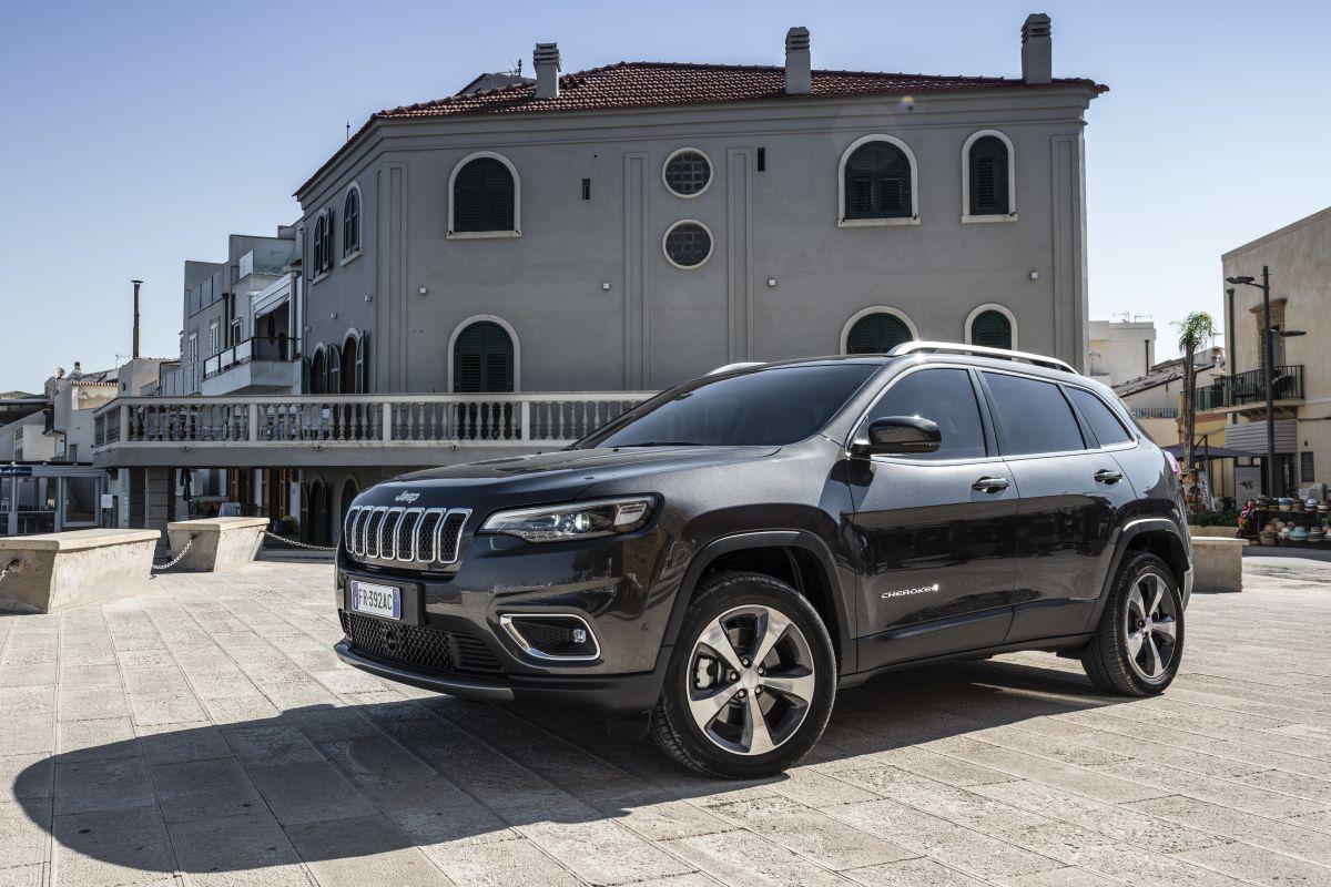 2016 - [Jeep] Cherokee restylé - Page 2 Mshycg6bcom8