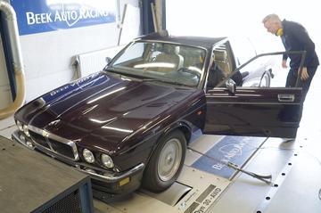 Jaguar XJ 3.2 - Op de Rollenbank