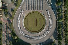 Wereldrecord: 1.495 Fiats 500 geleverd in 48 uur