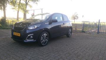 Peugeot 108 Allure 1.2 PureTech (2015)