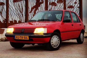 De Peugeot 205 van Joas - Oude Liefde #1 - Weblog
