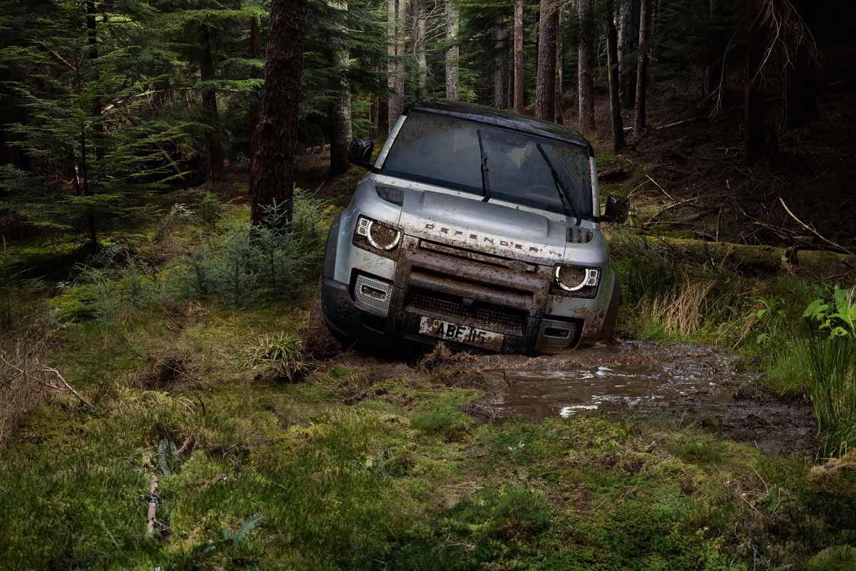 Land Rover Defender (2019) 10