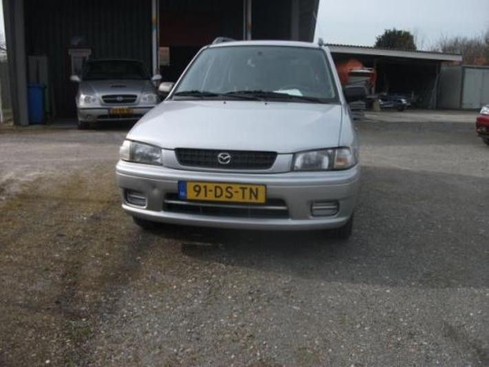 Mazda Demio 1.3 GLX (1999)