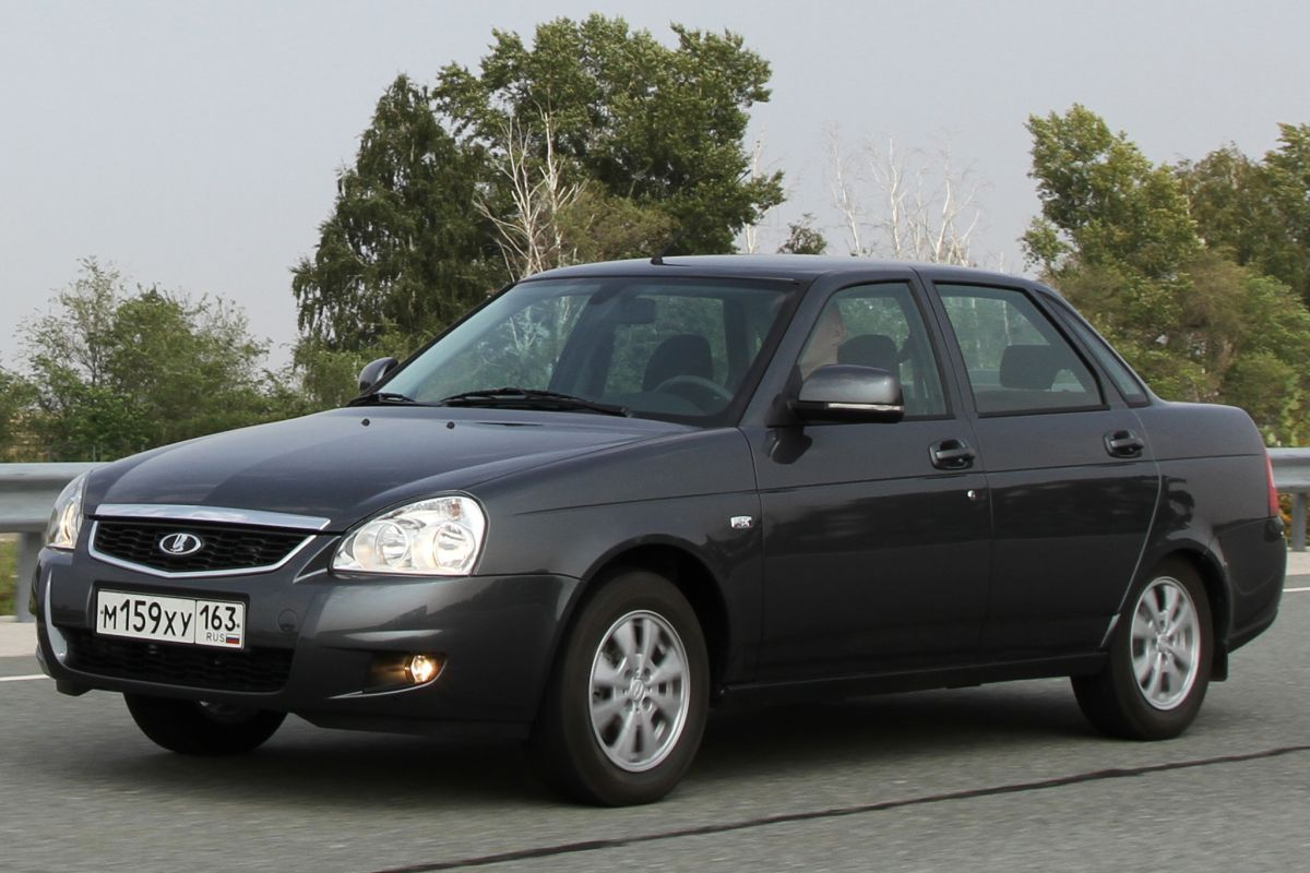 What does Lada Priora look like 92