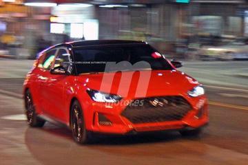 Hyundai Veloster helemaal naakt
