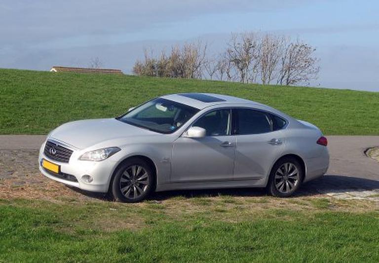 Infiniti M35h Hybrid GT Premium (2011)
