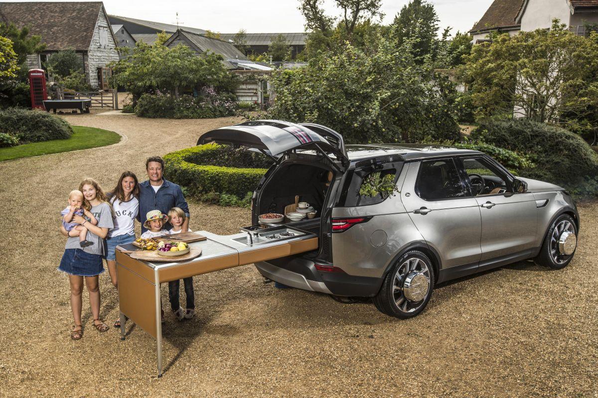 Mobiele keuken in land rover discovery autonieuws autoweek.nl