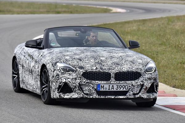BMW laat Z4 nu zelf zien