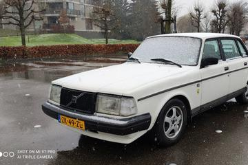 Volvo 240 DL 2.3 (1991)