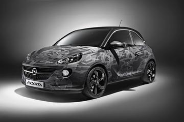 Bryan Adams beschildert Opel Adam