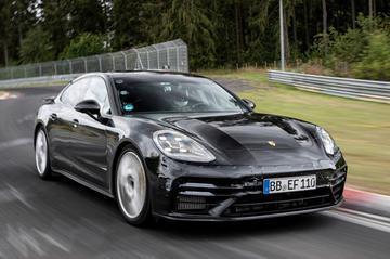 Porsche jaagt vernieuwde Panamera over de Nürburgring