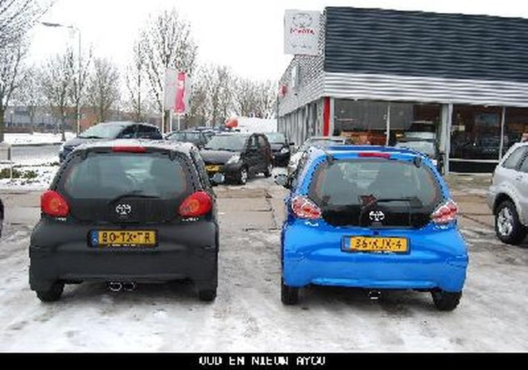 Toyota Aygo 1.0 12v VVT-i Dynamic Blue (2010)