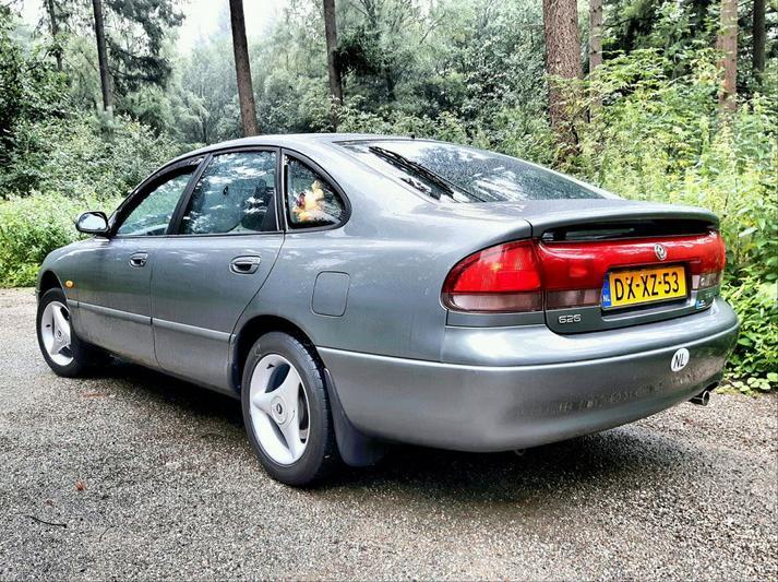 Mazda 626 1.8i GLX (1992)