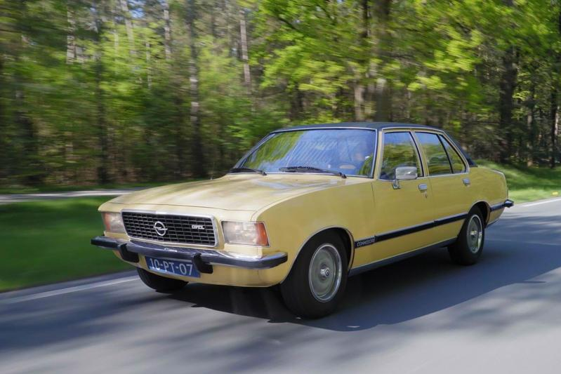 Opel Commodore (1977) - Klokje Rond Klassiek