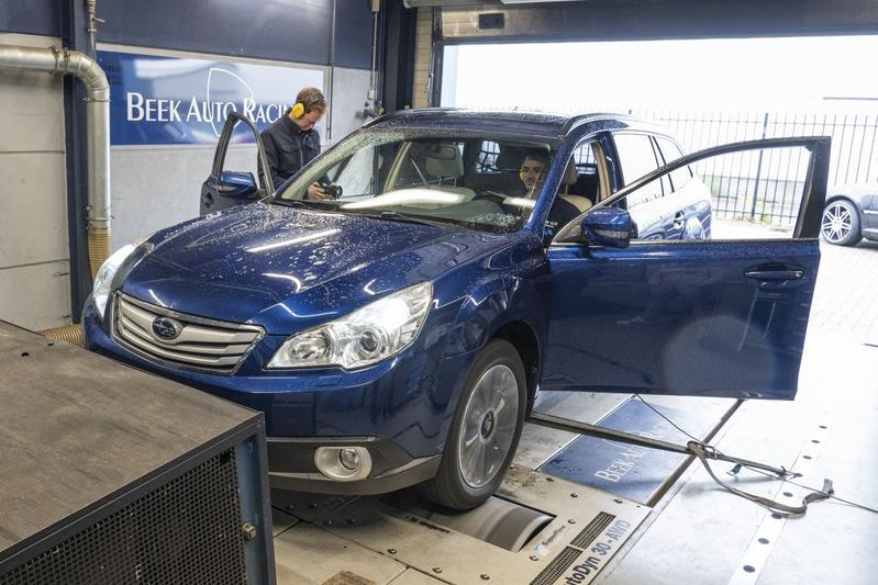 Subaru Outback 3.6 R - Op de Rollenbank