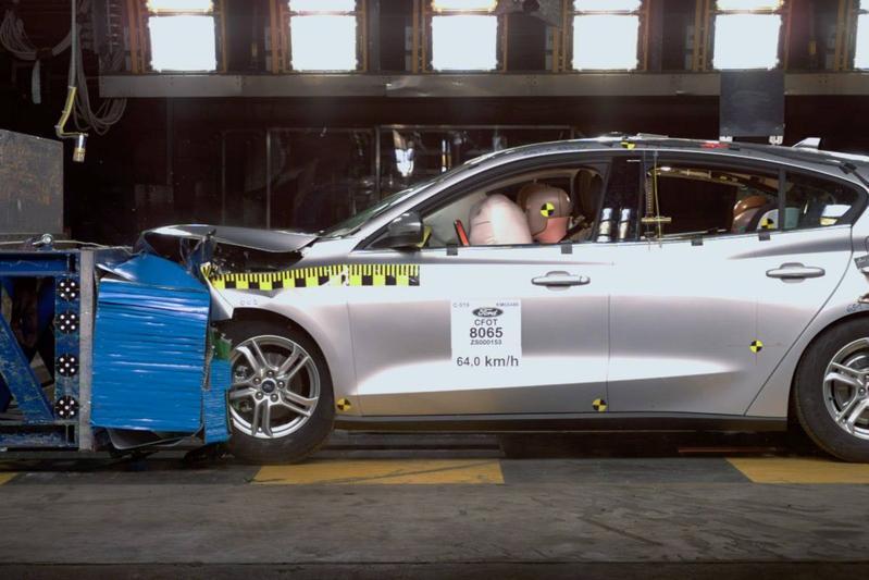 Ford crashtest