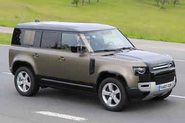 Land Rover Defender met V8 gesnapt