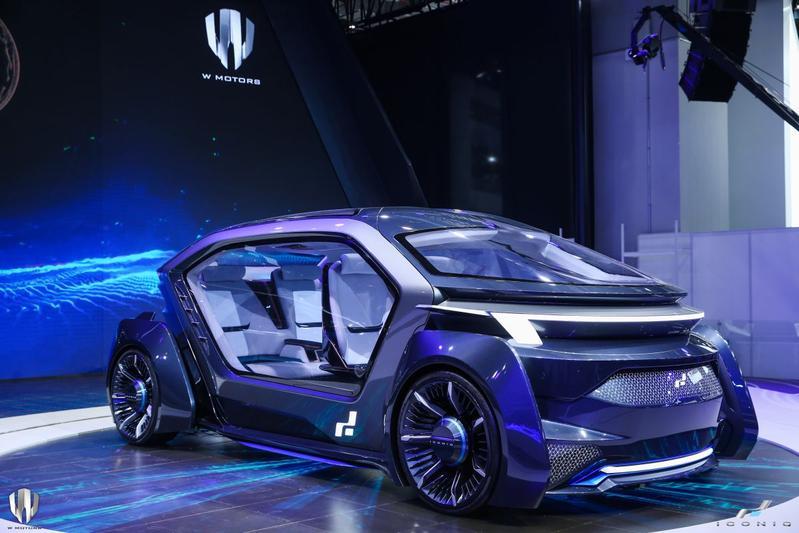 W Motors en Iconiq Muse en Seven Generation 2
