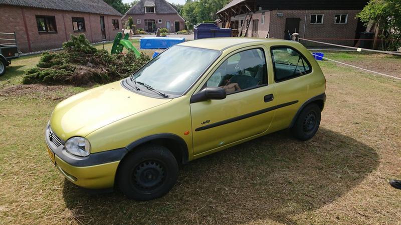 Opel Corsa 1.4i Swing (1998)