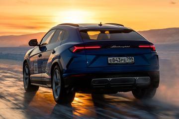 Lamborghini Urus is snelheidsduivel op het ijs