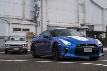 Nissan viert feest met GT-R en 370Z