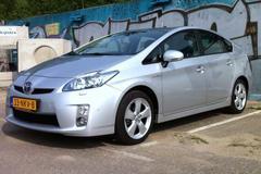 Toyota Prius 1.8 HSD Executive