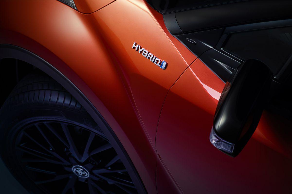 Toyota C-HR Facelift (2019) 6
