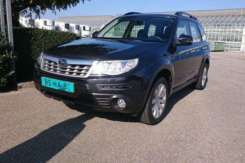 Subaru Forester 2.0 Luxury (2011)