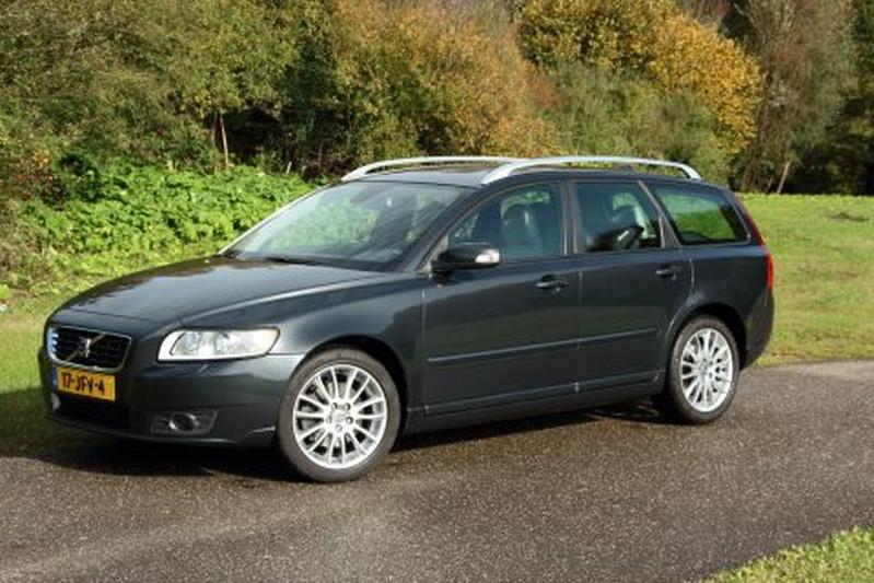 Volvo V50 2 0d Edition Ii 2009 Review Autoweek Nl