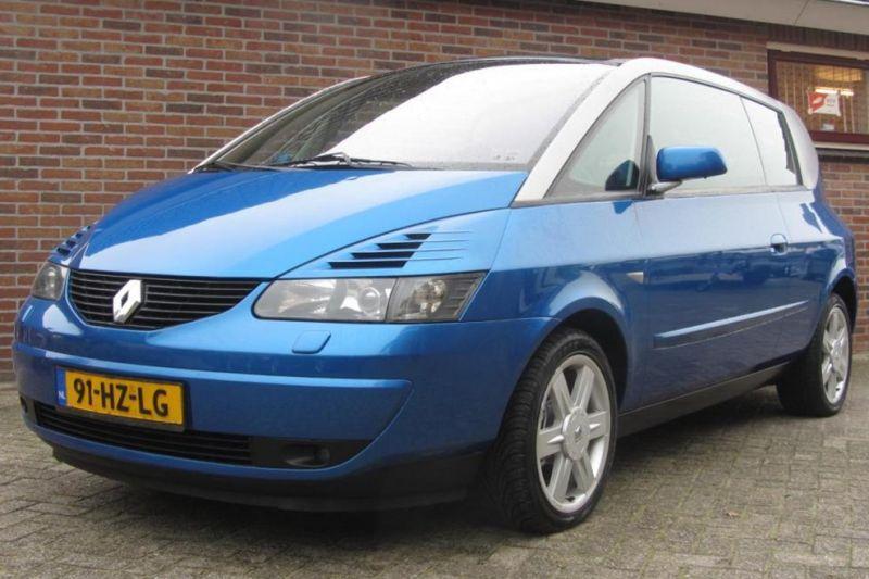 Redactie Raadt Aan: reuze-Renault!